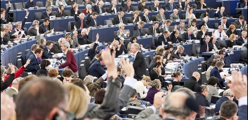 De Europese parlementaire immuniteit (zomaar) van tafel geveegd?